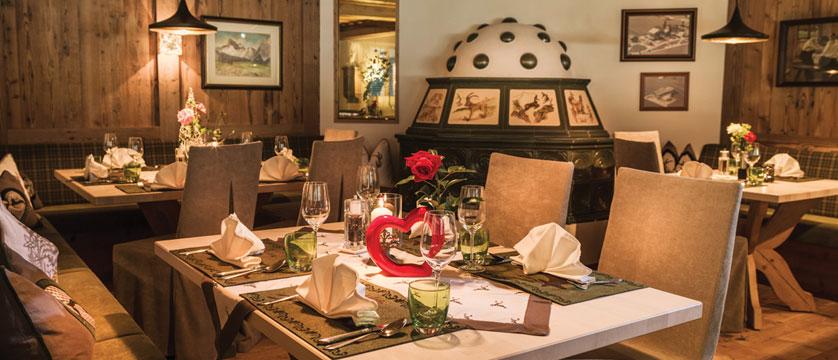 Hotel Rieser, Pertisau, Lake Achensee, Austria - Dining room detail.jpg